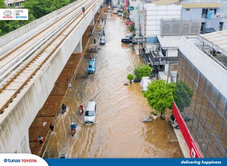 Cara Mengatasi Mobil Mogok Kebanjiran