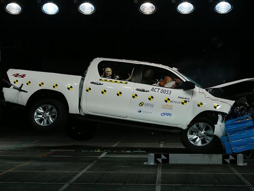 Toyota Hilux Mendapatkan Bintang 5 dari ASEAN NCAP