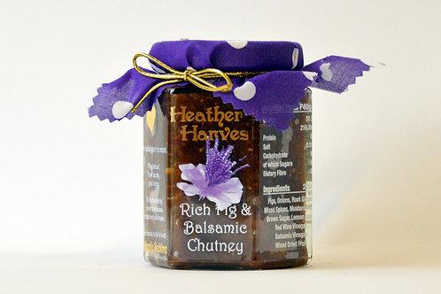 Rich Fig & Balsamic Chutney Mini Jar 100g, contains chilli