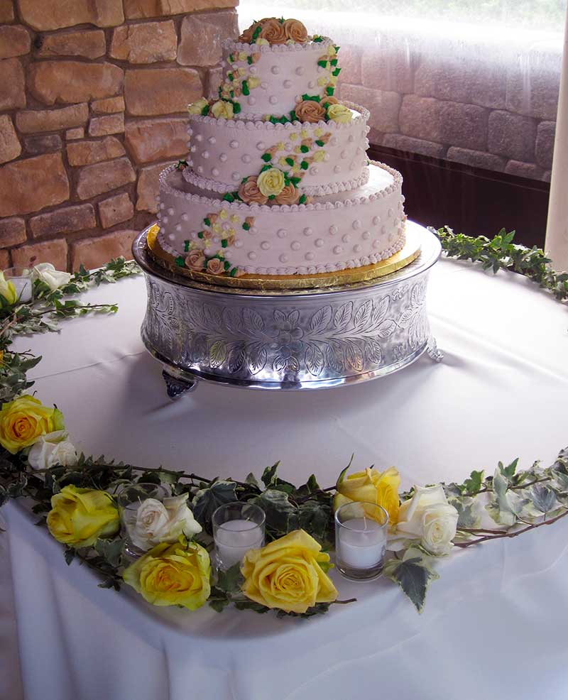 Yellow Roses on Wedding Cake