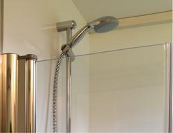 Dusche_Privat_sanitaer_privé-douche