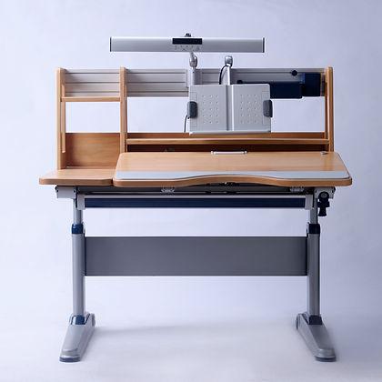 1 desk.jpg