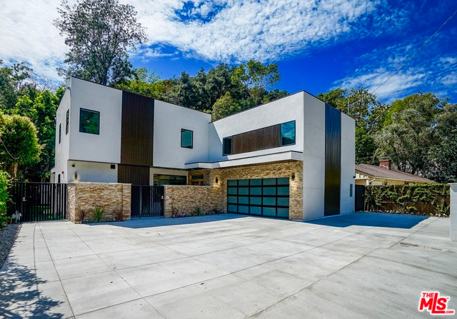 2017 Benedict Canyon Drive, BHPO 90210