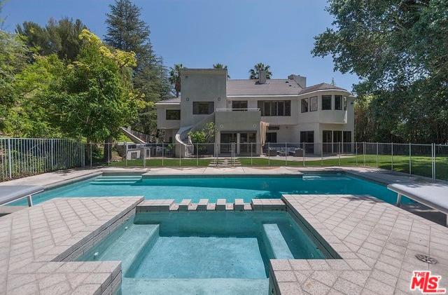9892 Gloucester Drive, Beverly Hills