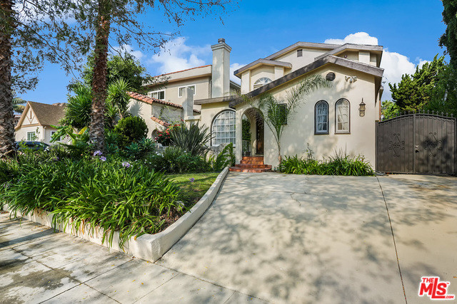 435 S. Almont Drive, Beverly Hills