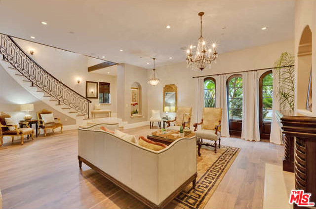225 S. Crescent Drive, Beverly Hills