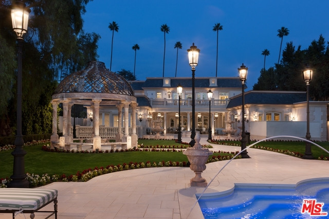 613 N. Canon Drive, Beverly Hills