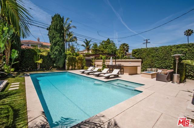 117 N Oakhurst Drive, Beverly Hills