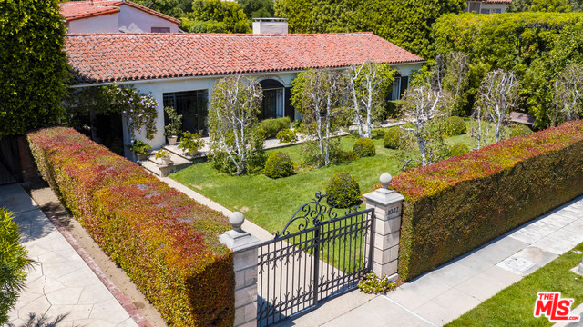 1027 Chevy Chase Drive, Beverly Hills