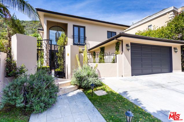 2109 San Ysidro Drive Beverly Hills