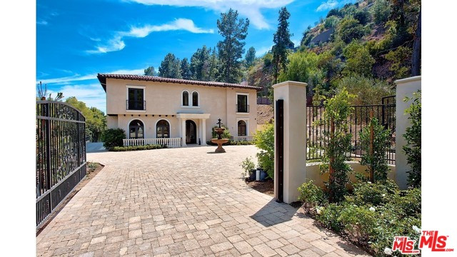 1296 Monte Cielo Drive, Beverly Hills 90210