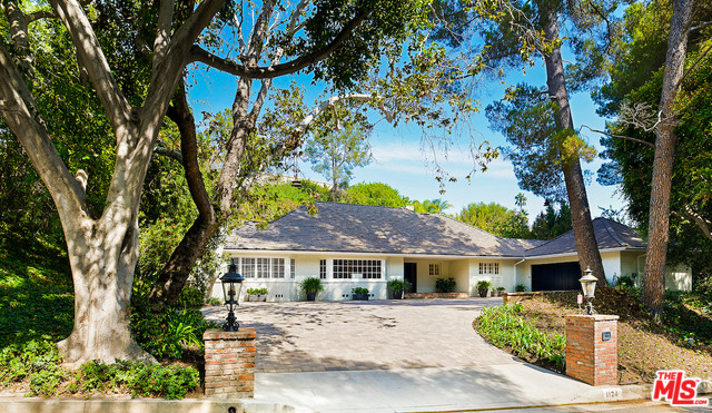 1124 Laurel Way, Beverly Hills 90210