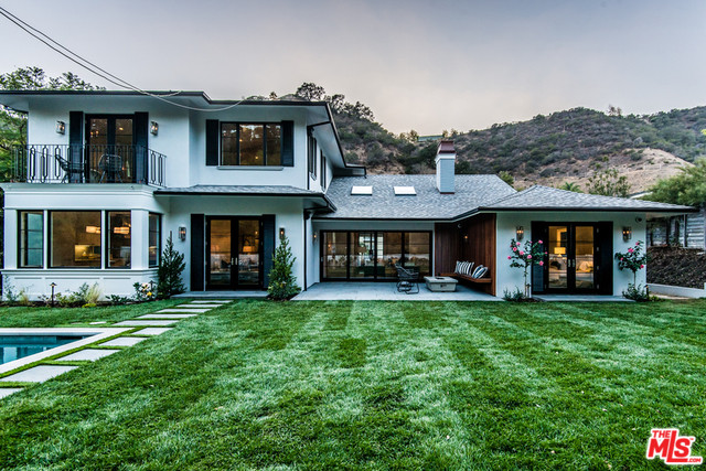 1658 San Ysidro Drive, Beverly Hills