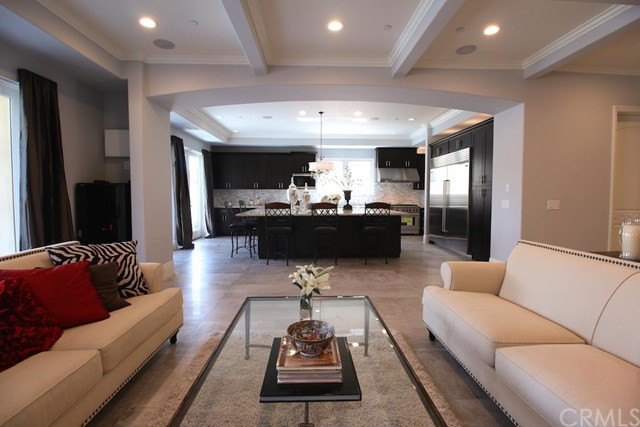 208 S Stanley Drive, Beverly Hills