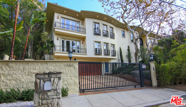 1350 Benedict Canyon Drive, Beverly Hills 90210