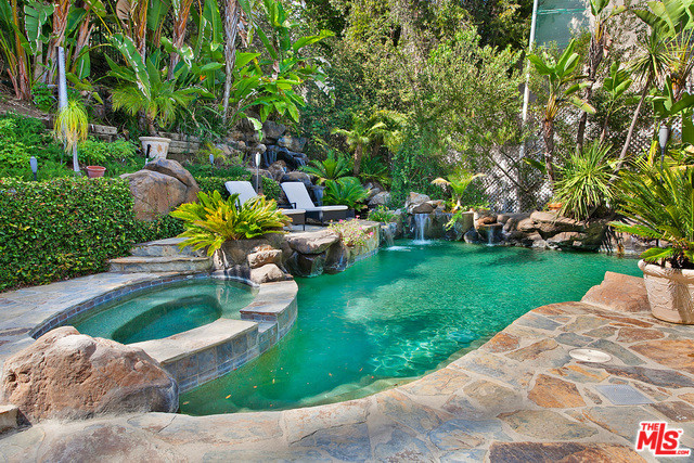 9839 Cardigan Place, Beverly Hills