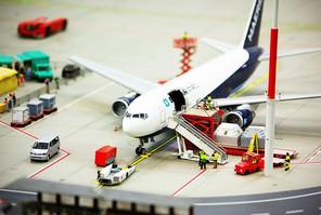 airport-687256__340.jpg