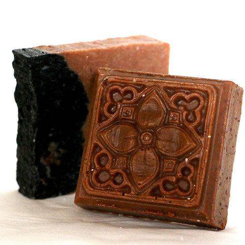 Organic Soap Bar with Exfoliating Mesh