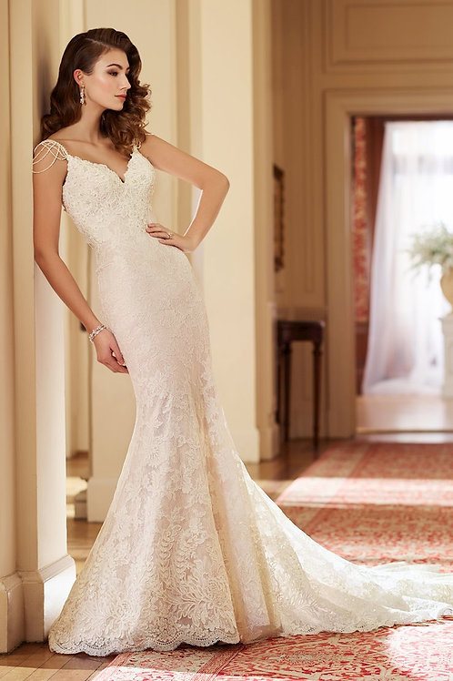 217228 -Size 10 - Sample Gown