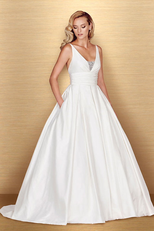 4661 - Size 12 - Sample Gown