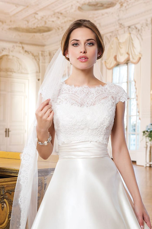 6344 - Size 16 - Sample Gown