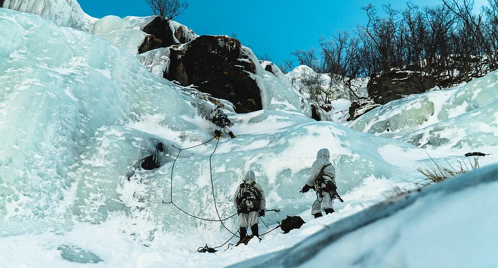 RM-Commando-Mountain-Leaders-Ice-Climb.p