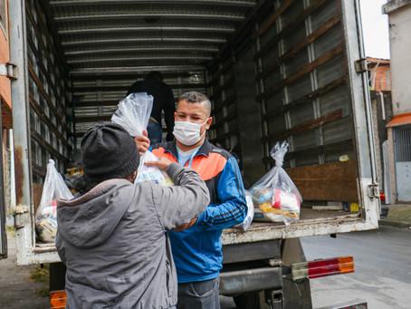 Carapicuíba: Prefeitura promove a doação de mais de 1.200 cestas básicas e 450 cobertores