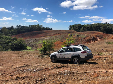 Cotia: Obra é embargada pela Polícia Ambiental por supressão de vegetação nativa