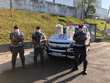 Barueri: Policiais Rodoviários apreendem contrabando em ônibus de turismo