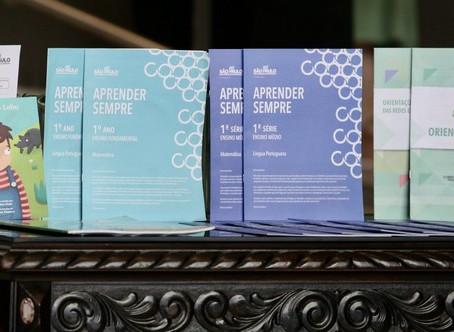 Governo de SP entrega 3,5 milhões de kits com material para período de aulas em casa