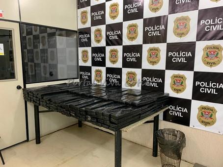 Cotia: Policiais Civis do Denarc apreendem drogas dentro de caminhão baú