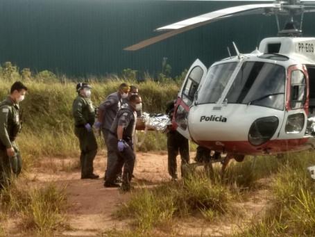 Operário é socorrido pelo Águia após ser atingido por viga em obra no Recanto Verde