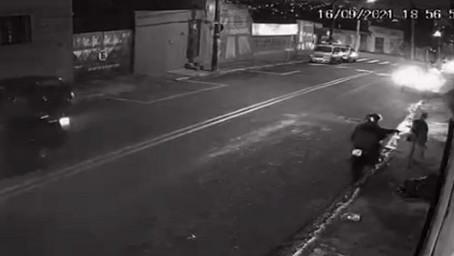 """Equipe de Baep prende em flagrante dois indivíduos fazendo """"arrastão"""" em Carapicuíba"""