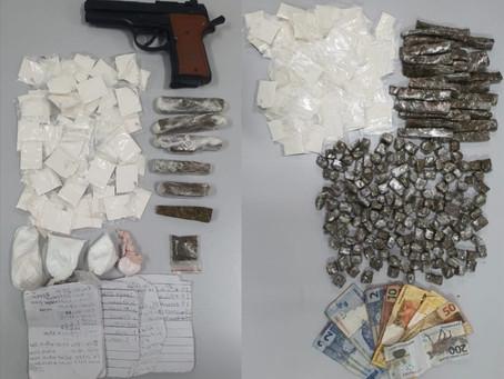 Cotia: Equipe de BAEP flagra tráfico de drogas no Mirante da Mata