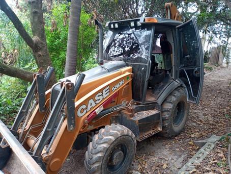 Carapicuíba: PM recupera retroescavadeira roubada em Santana de Parnaíba