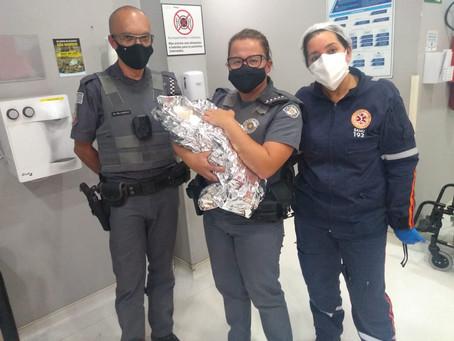 Policiais Militares fazem parto em Carapicuíba
