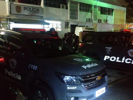 Ibiúna: Equipes do Baep prendem bandidos que roubaram residência e fizeram vítima refém