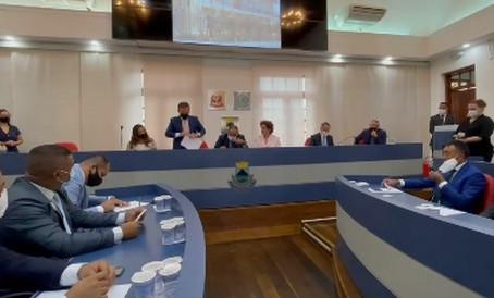 Cotia: Prefeito, vice e vereadores são empossados na Câmara Municipal