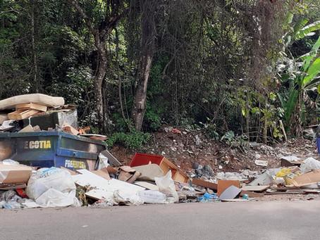 De olho no meu bairro: Caçambas no Ecoponto da Av. Brasil não estão sendo recolhidas