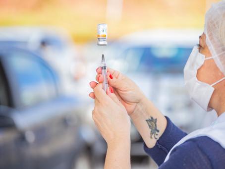 Nesta quinta,15, Cotia começa a vacinar idosos 64+ contra a Covid-19