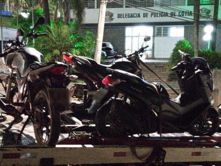 PM prende dois ladrões e localiza motos roubadas