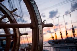 ship-helm-759954_1920