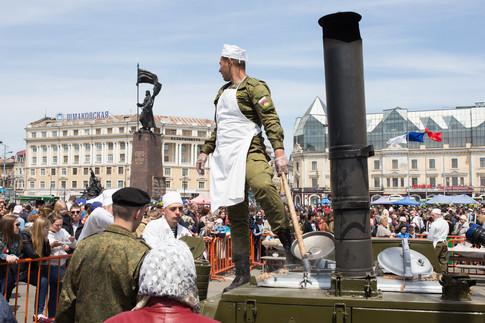 9 мая на центральной площади Владивостока
