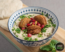photoshoot_for_smaak_hummus_with_falafel