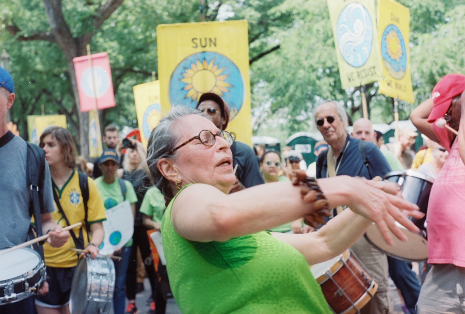 climate march dancer 2017