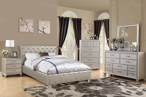 SILVERY II SILVER FINISH BEDROOM SET