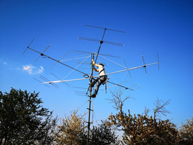 Reference antenna fixing