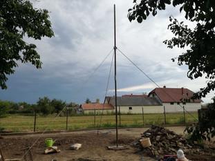 Antenna mast fixing