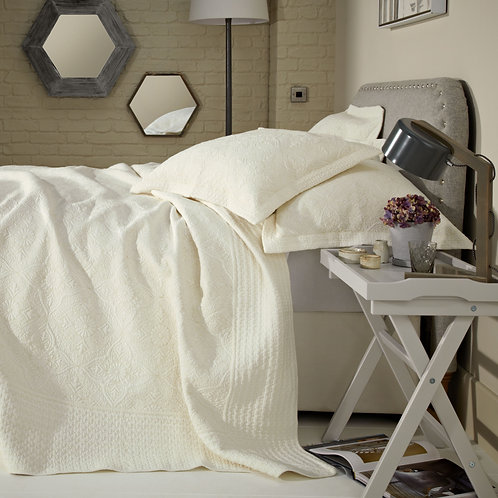 Burford Cream Quilt