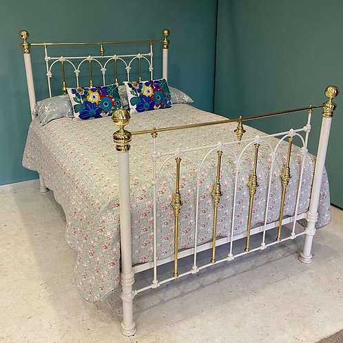 Double - White Brass & Iron Bed - OM126